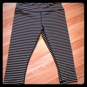 Pants - Ladies Cropped pants also called Dupes